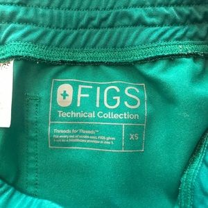 FIGS hunter green XS Livingston